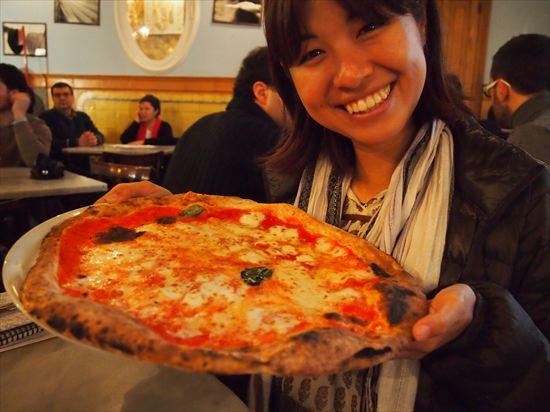 ナポリで一番美味しいピザはここ☆