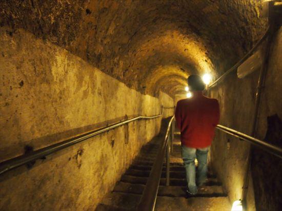 ナポリのスリと、古代地下都市ツアー