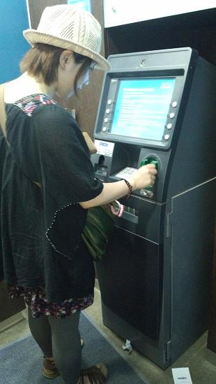 銀行よりお得な両替方法とは?世界一周旅行者の両替事情