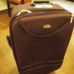 インドのデリーで、可愛いスーツケース(1,500円)を購入♪