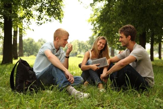 無料の英語勉強法8選!海外旅行で困らない英会話力をつける方法