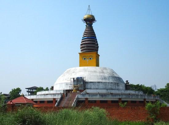 ルンビニ旅行記 ~なぜネパールのお寺には「目」があるのか?~