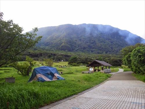新島の無料キャンプ場「羽伏浦キャンプ場」が超オススメ!