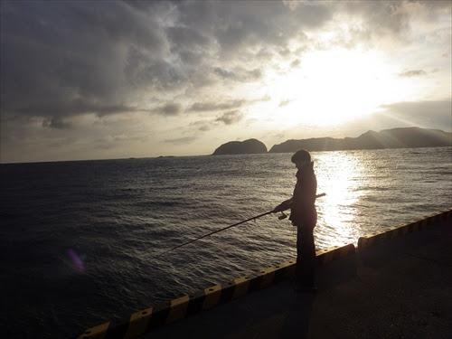 【新島の釣り情報】初心者が初めての海釣りに挑戦!!