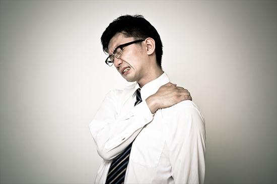 英語に「肩こり」なんてない。なぜ欧米人は、肩がこらないのか?