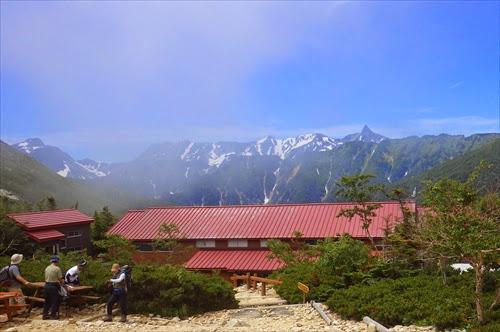 常念岳の山小屋【常念岳小屋】宿泊レポート。部屋や食事の様子