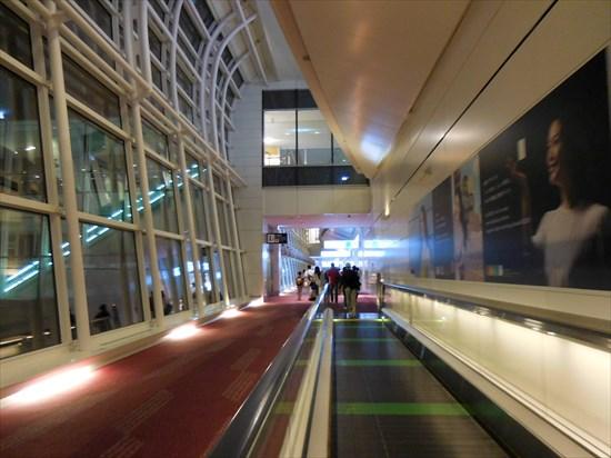 空港でのスーツケース破損時に必ずすべきことと、海外旅行保険適用法