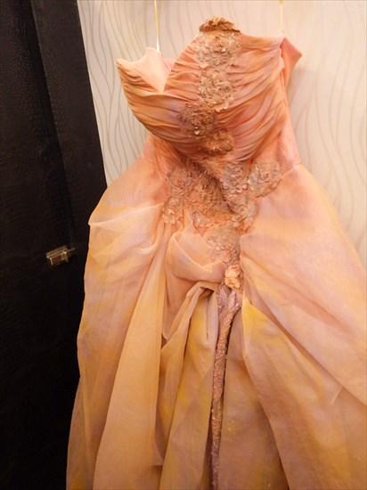 1着目はドレスをチョイス