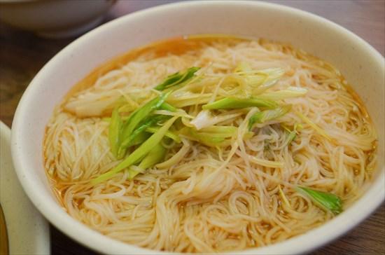 麻油麺線:80元(約330円)
