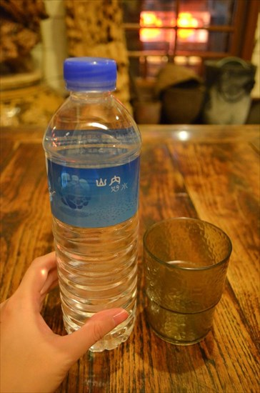 レストランの水:30元(約110円)