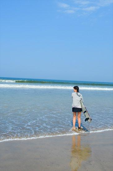 ロサンゼルスと違い、バリの海は温かかった