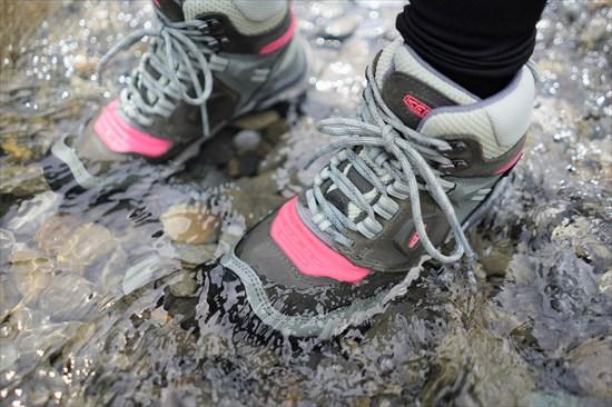 KEENの防水登山靴「リッジフレックス」レビュー。サイズ感と履き心地