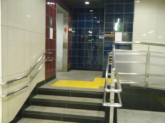 JR山手線 日暮里のトイレ1