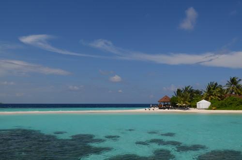 モルディブの青い海と空