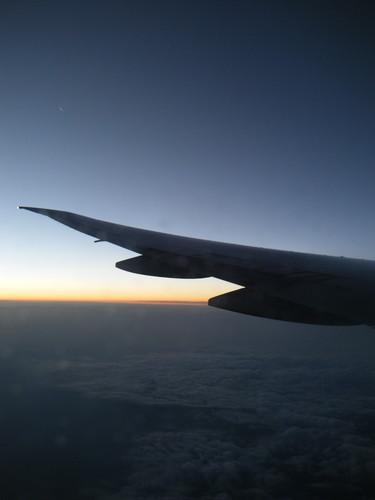 地平線と飛行機の翼